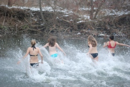 """""""Freezing for a Reason"""": Beer & Sex Sponsors Second Annual Polar Plunge"""