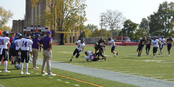Lords football losing streak continues against Fighting Scots