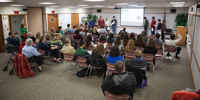 Latino poetry connects Kenyon and Mount Vernon students
