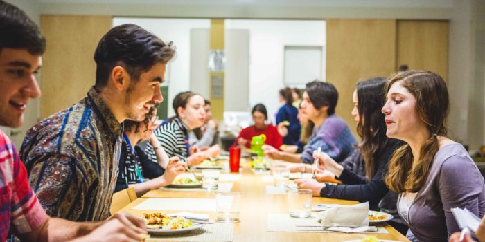 New Jewish cooking club: the best family dinner on campus